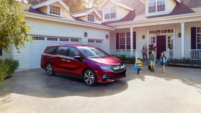 Honda Odyssey with family